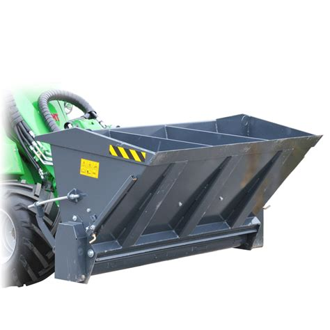 SAND SPREADER ATTACHED FRONT/BACK SPREAD WIDTH